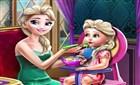 Elsa Bebeğini Besliyor